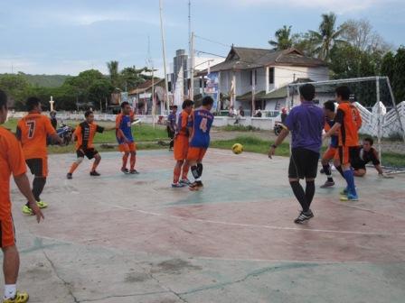 Pertandingan futsal antar instansi Pemda Selayar juga dari Polres Selayar dan BRI.
